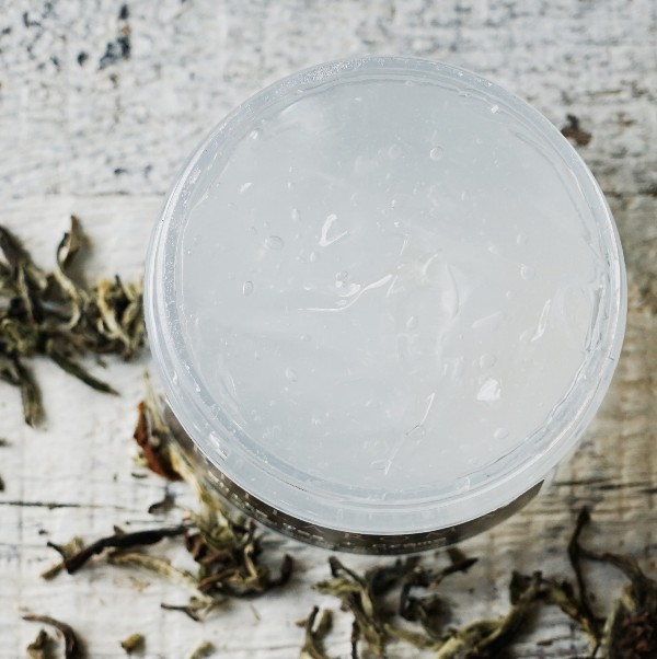 White Tea + Creme Revitalizing Gel Mask